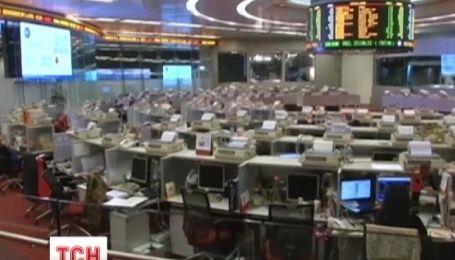 Из-за резкого обвала акций на китайских биржах снова подешевела нефть