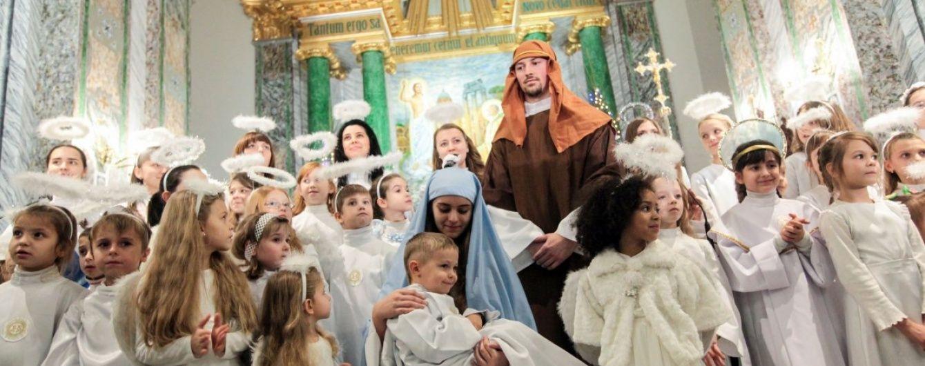 Парасюк пропонує замінити травневі вихідні Різдвом і Водохрещею