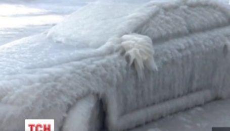 В американском городе Буффало автомобили превратились в ледовые глыбы