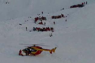 Возросло количество погибших в результате схода лавины во французских Альпах