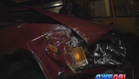 Небрежность одного водителя спровоцировала километровый затор на проспекте Комарова в столице