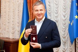 Горбунову вручили почесний нагрудний знак та посвідчення заслуженого артиста України
