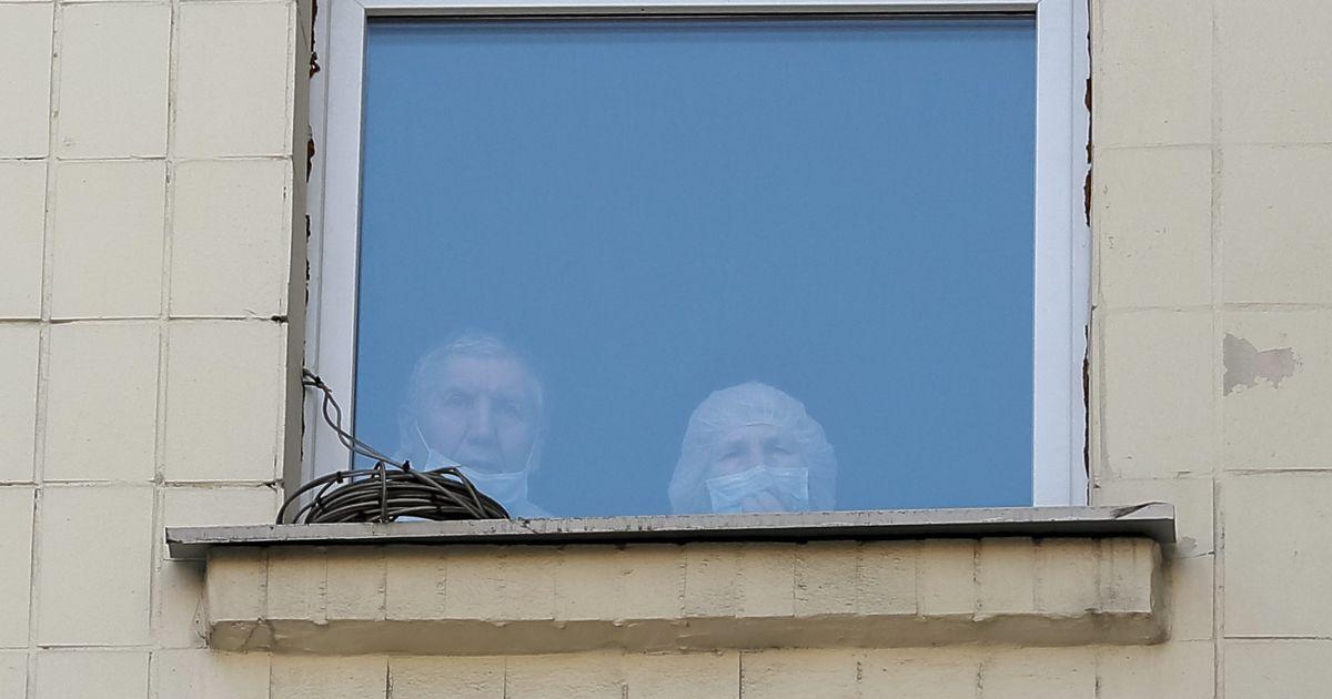 """Массовое отравление детей на Луганщине: боевики перевели школы на питание """"гуманитаркой"""" из России"""