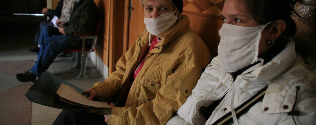 У Харкові запровадили масковий режим через епідемію грипу