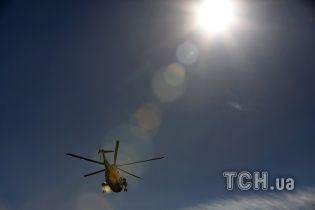 Росія раптово підняла вертольоти та перемістила військову техніку біля межі з окупованим Кримом