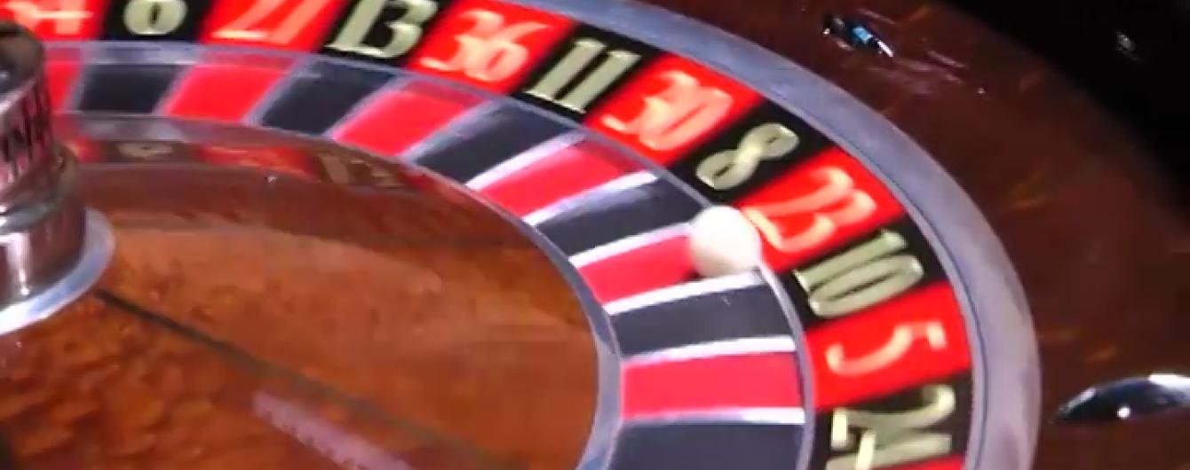 У підпільному елітному казино в Києві займалися звідництвом і наркоторгівлею