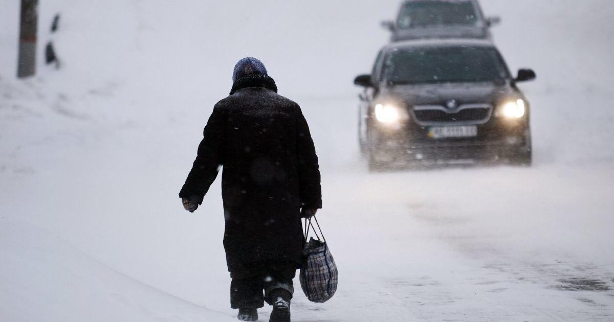 На Киевщине водителей предупредили о резком ухудшении погоды и гололедице
