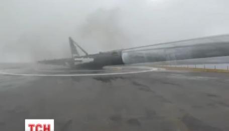 Космічна ракета Falcon 9 вибухнула під час посадки