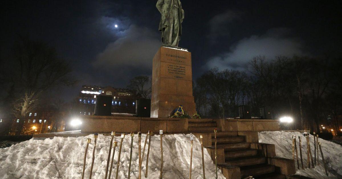 У Києві пройшла смолоскипна хода на честь Дня Соборності України. @ УНІАН