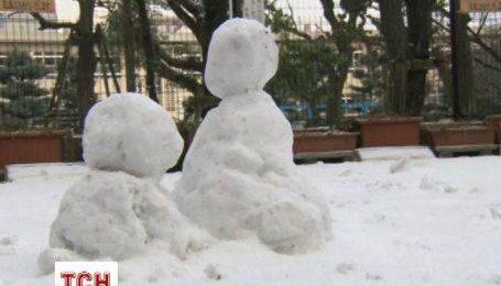 В Японии из-за снегопада отменили более 50 авиарейсов