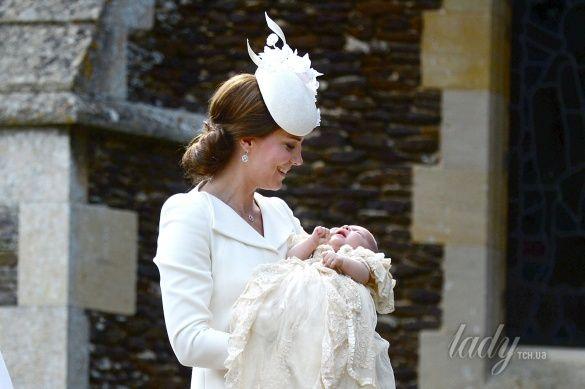 Герцогиня Кембриджская с дочерью Шарлоттой