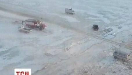 Під Хабаровськом рятували рибалок, яких віднесло на величезній крижині