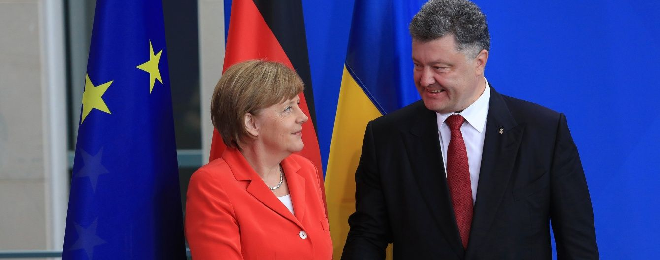 Порошенко і Меркель обговорили пришвидшення безвізу для українців
