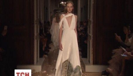 Модный дом Valentino представил новую коллекцию весна-лето