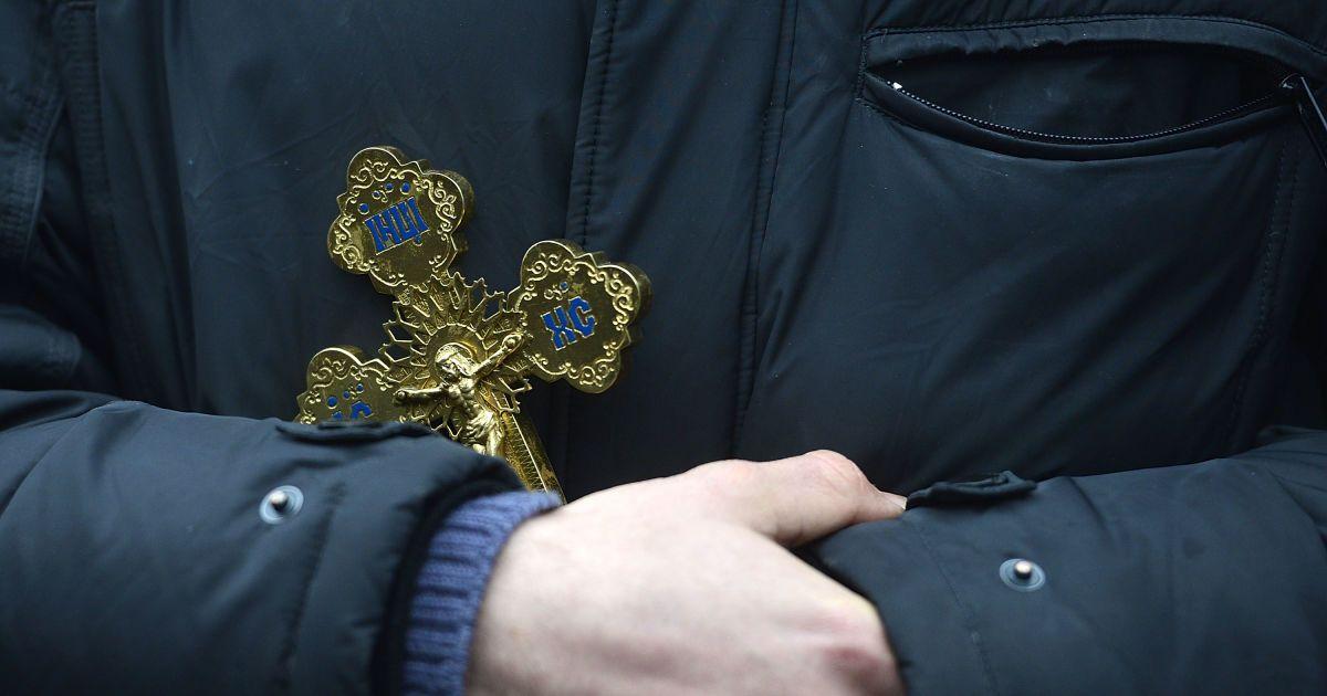 Війни за душі. В Україні наростають конфлікти переходів парафій з однієї церкви в іншу