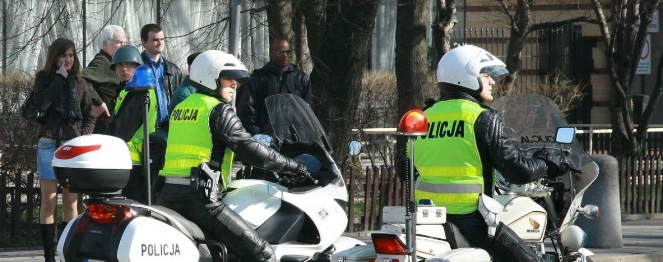 В Польше автомобиль с украинцами и грузинами влетел в дерево, два человека погибли