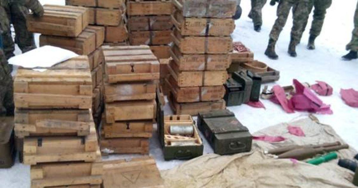 На Донеччині СБУ виявила величезну схованку з боєприпасами @ Прес-служба СБУ