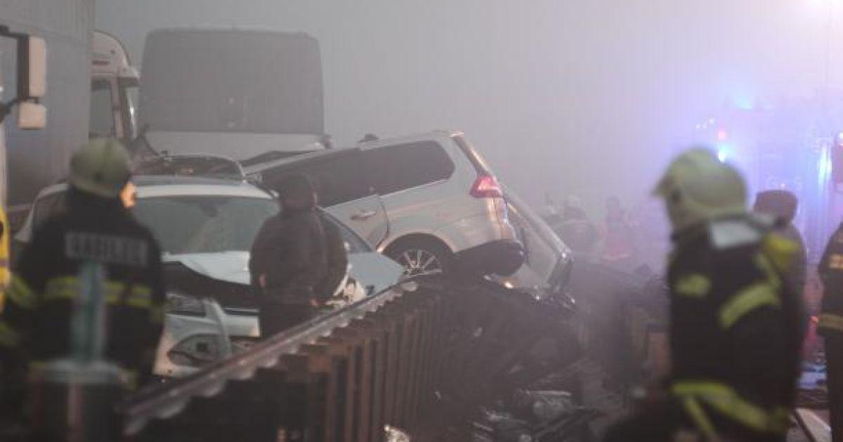 У масштабній аварії загинули 4 людини, ще понад 30 отримали поранення @ фото: Dejan Javornik/Novice
