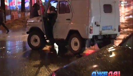УАЗ Национальной гвардии в столице снес с дороги два автомобиля