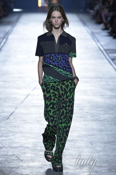 Versace прет-а-порте сезона весна-лето 2106_9