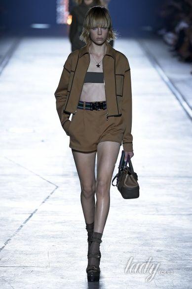 Versace прет-а-порте сезона весна-лето 2106_4