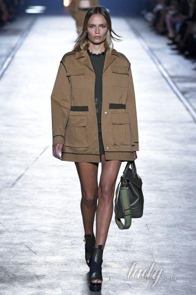 Versace прет-а-порте сезона весна-лето 2106_3