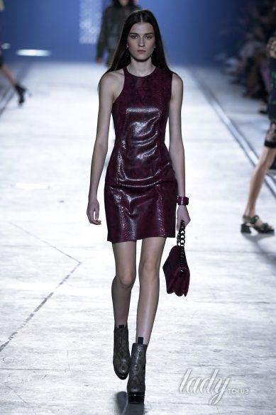 Versace прет-а-порте сезона весна-лето 2106_20
