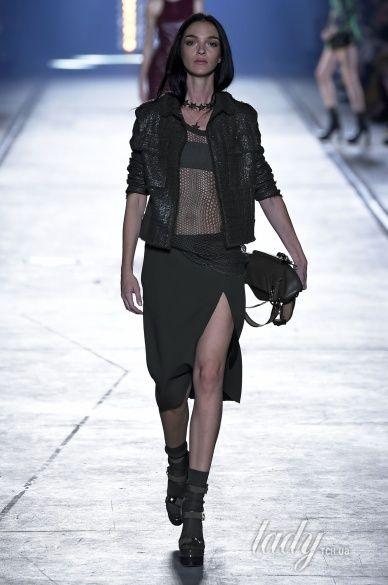 Versace прет-а-порте сезона весна-лето 2106_19