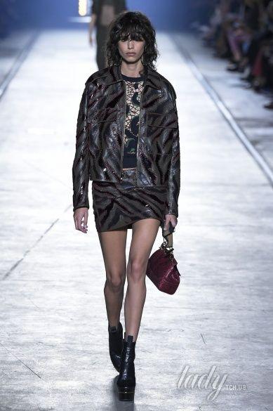 Versace прет-а-порте сезона весна-лето 2106_18