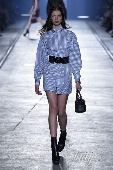 Versace прет-а-порте сезона весна-лето 2106_26