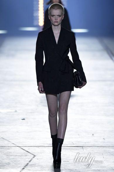 Versace прет-а-порте сезона весна-лето 2106_23