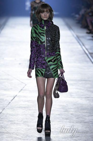 Versace прет-а-порте сезона весна-лето 2106_16