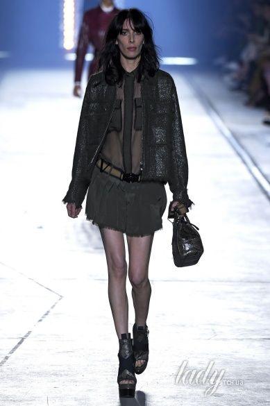 Versace прет-а-порте сезона весна-лето 2106_21