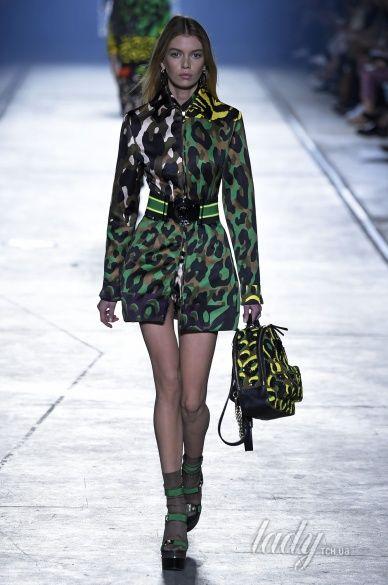 Versace прет-а-порте сезона весна-лето 2106_30