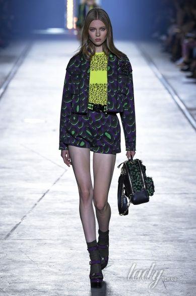 Versace прет-а-порте сезона весна-лето 2106_32