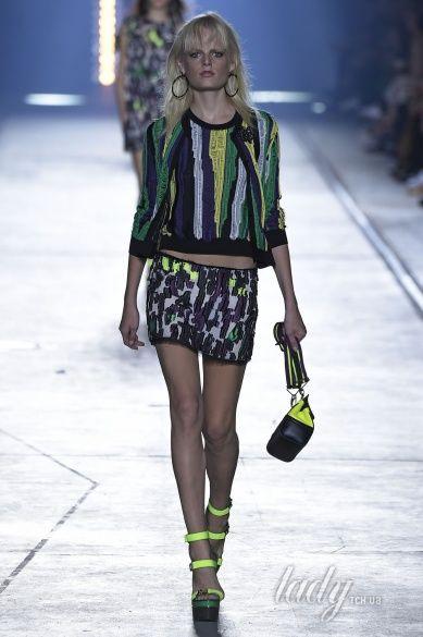 Versace прет-а-порте сезона весна-лето 2106_33
