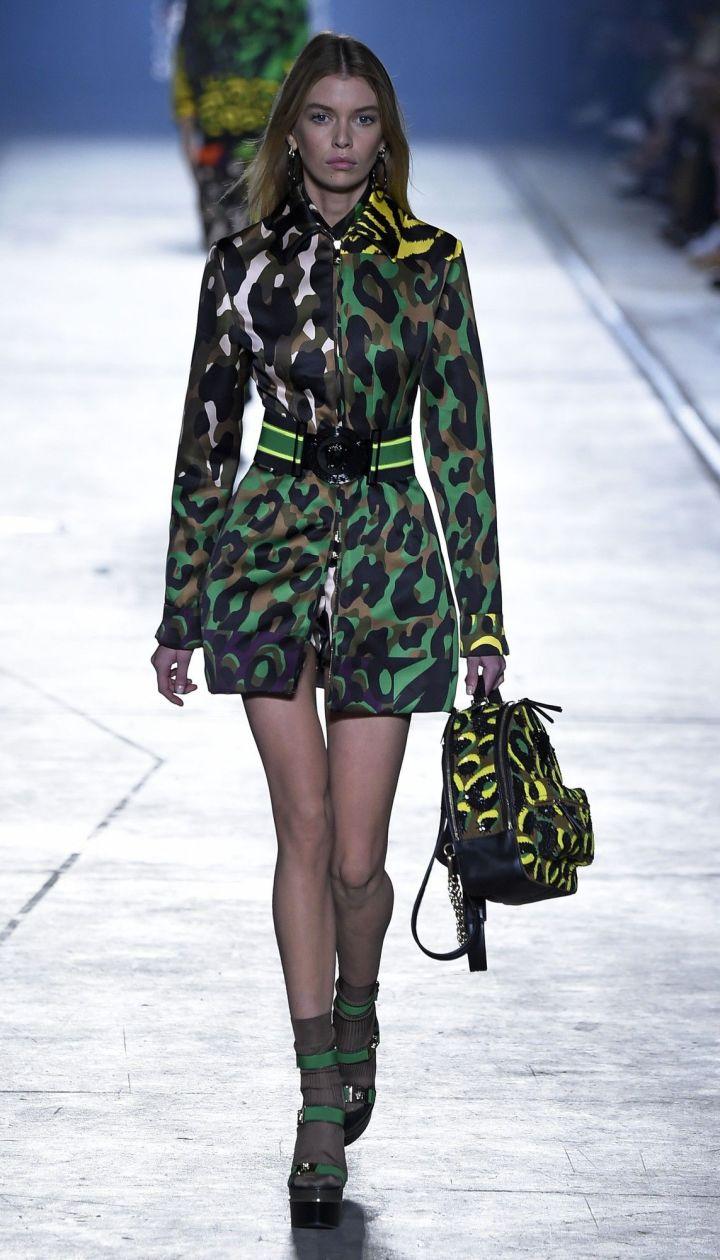 Коллекция Versace прет-а-порте сезона весна-лето 2106