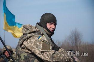 Неизвестные с оптикой и картами пытались проникнуть в воинскую часть на Черниговщине