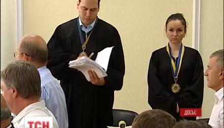 Генпрокуратура снова просит отстранить от работы одиозного судью Вовка