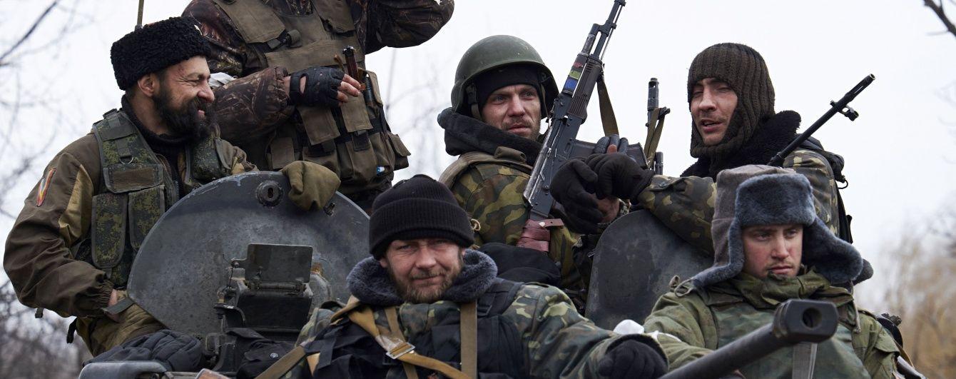 Ворог 15 разів обстріляв позиції українських військових. Дайджест АТО