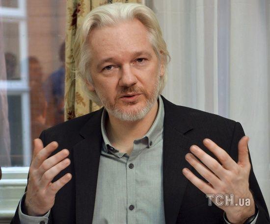 Засновник WikiLeaks Ассанж після зливу секретних даних США планував виїхати до Росії – AP