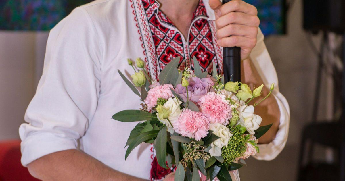 Герой АТО освідчився коханій на відкритті фотовиставки «Переможці»