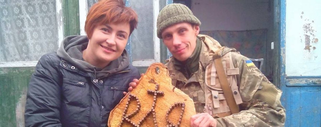 Якушевтримайся: Журналісти влаштували флешмоб на підтримку прес-офіцера, який розповів про життя солдатів