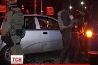 Поліція знайшла і повернула власникові Toyota Land Cruiser, поки той спав