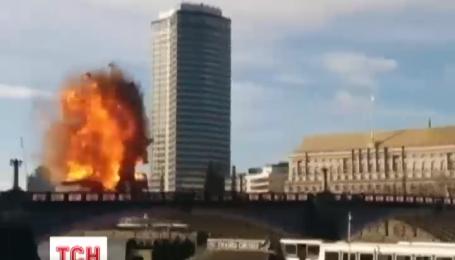 Жители Лондона приняли киношный взрыв за теракт