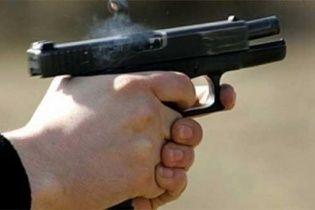 Київські патрульні затримали п'яного капітана поліції, який  влаштував стрілянину посеред вулиці