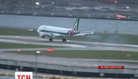 У Лондоні пілот пасажирського лайнера злетів замість посадки через шторм