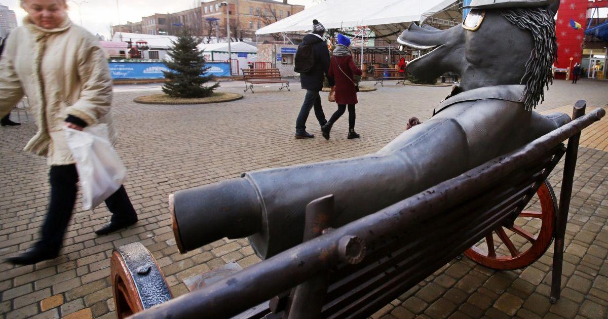 У Києві з'явилися нові чудернацькі скульптури @ УНІАН