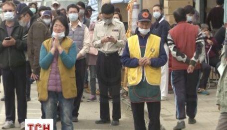 Рятувальники п'яту добу намагаються розкопати потерпілих в наслідок землетрусу в Тайвані