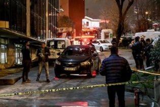 """У Туреччині невідомі закидали """"коктейлями Молотова"""" та обстріляли редакції двох газет"""